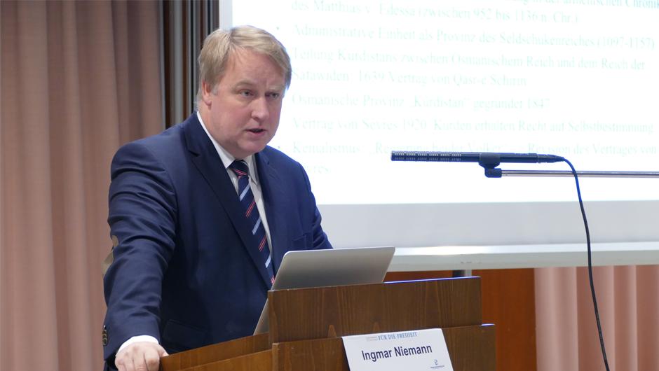 Ingmar Niemann, Politikwissenschaftler
